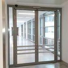Puerta batiente doble hoja
